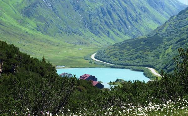 Camping: Zeinissee Camping in luftigen Höhen